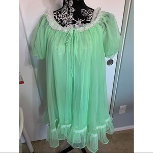 Vintage 2 Piece Mint Green Nightgown